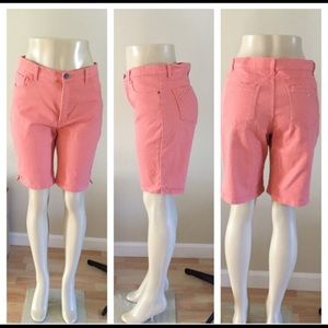Lee Classic Fit shorts Medium Size 12